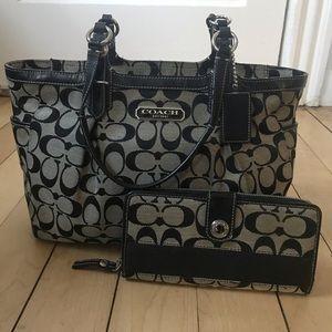 Coach purse | black & grey